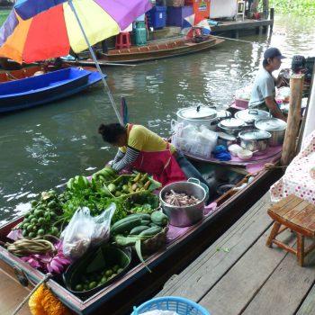Bezoek aan de floating market