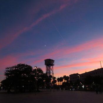 Zonsondergang op de boulevard