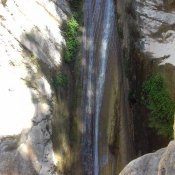 Waterval Nidri niet veel water wel prachtige natuur