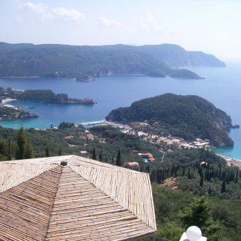 Corfu met uitzicht op zeven baaien.