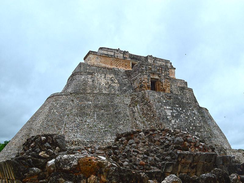 Piramide van Uxmal ruïnes