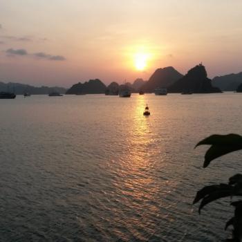 Halong Bay, op een boot tussen 3000 eilanden