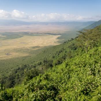 Uitzicht vanaf de rand van de krater.