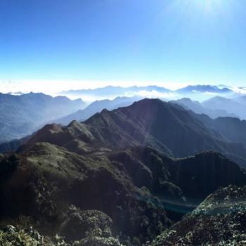 Uitzicht vanaf de top van de berg Fansipan