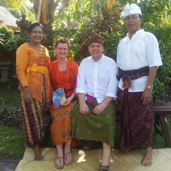 Balinese Ceremony samen met ouders van vriendin