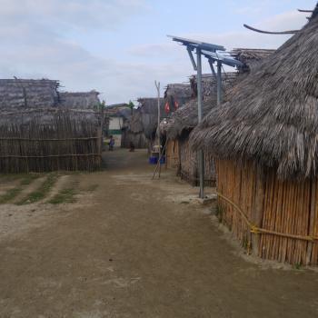 De huisjes waar de Kuna in wonen.