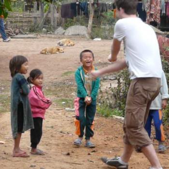 Ik met wat local kids