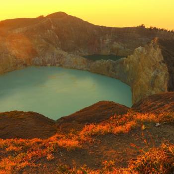 Flores, Kelimutu kratermeer