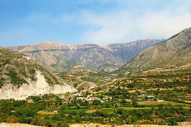 Loggara pass, Albanië