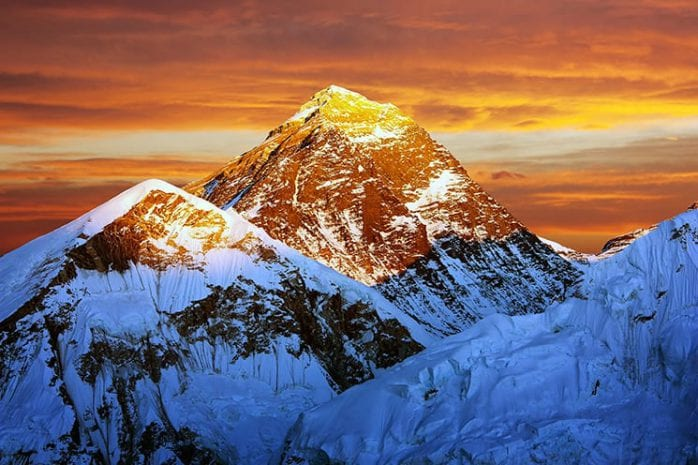 Vlucht over de Mount Everest in Nepal