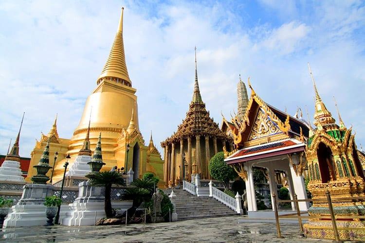 De rijk versierde Wat Phra Kaeo