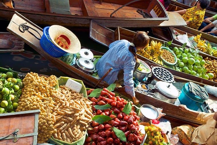 De drijvende markt bij Damnoen Saduak