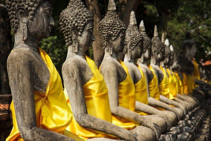Boeddha beelden in Wat Yai Hai Mongkhol
