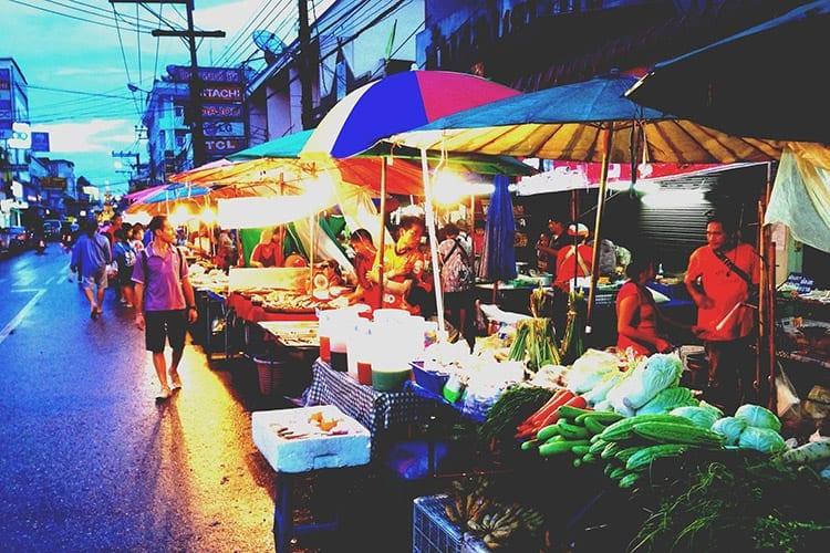 Avondmarkt in Chiang Rai