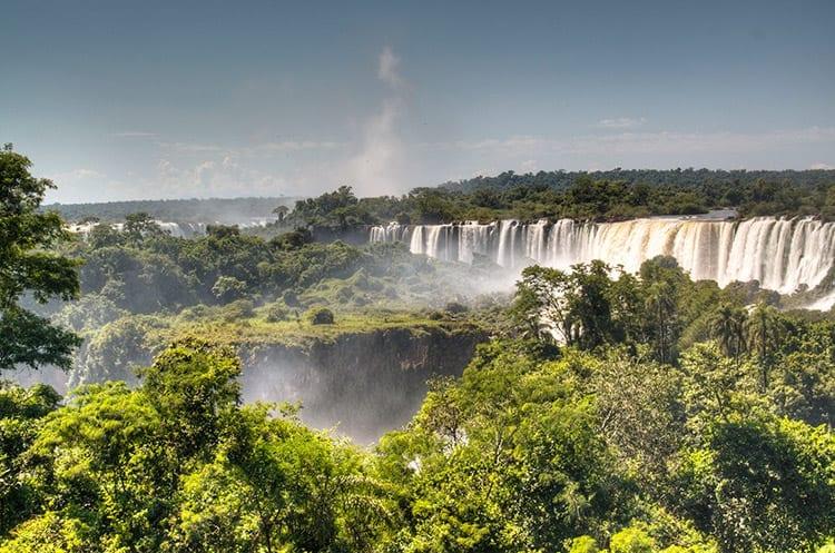 Regenwoud rondom de Iguazu Falls