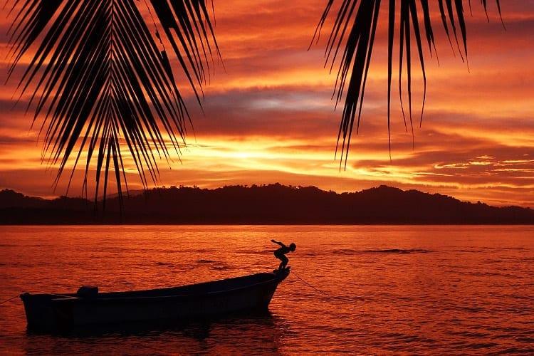 Zonsondergang bij Puerto Viejo