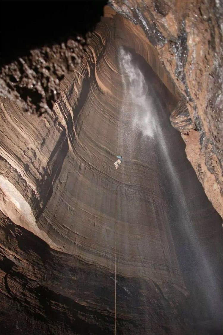fdalen in de 'Fantastic Pit' grot, Mexico