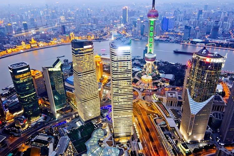 Wolkenkrabbers in metropool Shanghai