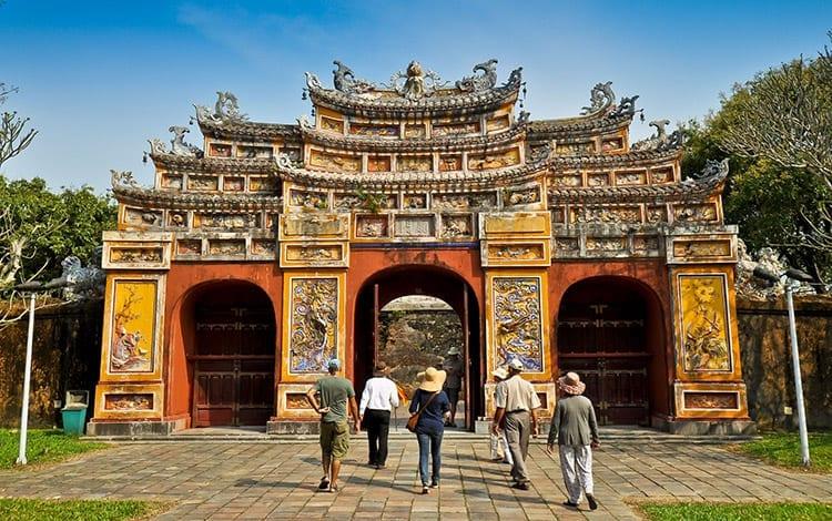 De Hien Lam Pavilion Gate