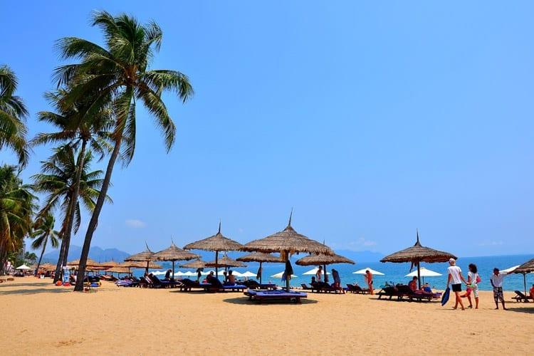 Het strand bij Nha Trang