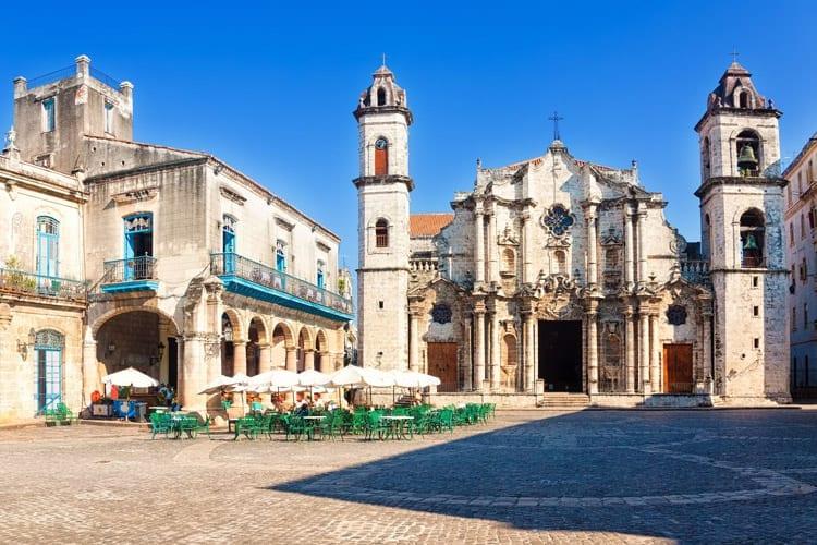 Het 'Plaza de la Catedral' in het oude Havana
