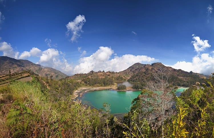 Telaga Wama meer in het Dieng Plateau