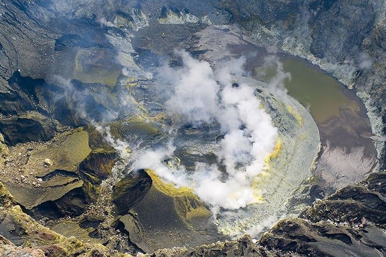 Kratermeer van de Kerinci vulkaan in het Kerinci Seblat National Park