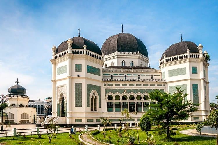 De grote moskee in Medan