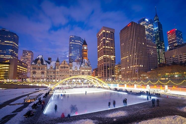 Nathan Phillips plein, Toronto