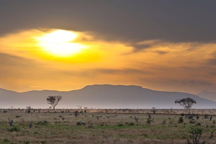Zonsondergang in Tsavo East