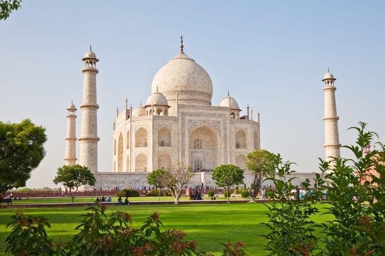 De Taj Mahal vanaf de zijkant