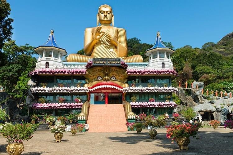 De gouden tempel in Dambulla