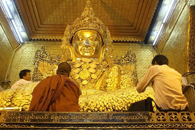Mahamuni Boeddhabeeld