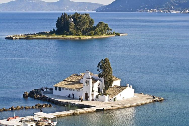 Vlacherna klooster en Pontikonisi eiland