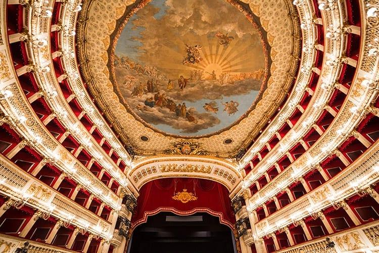 Teatro San Carlo, Napels