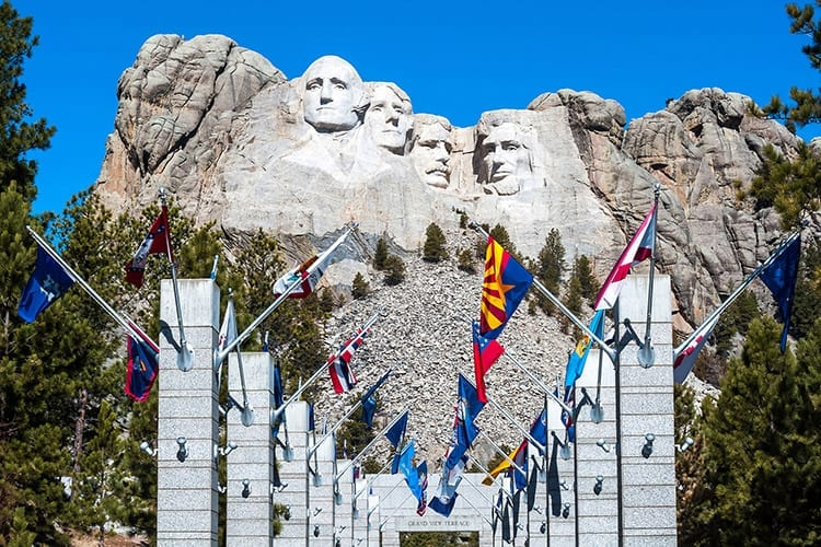 Avenue of the Flags, Mount Rushmore