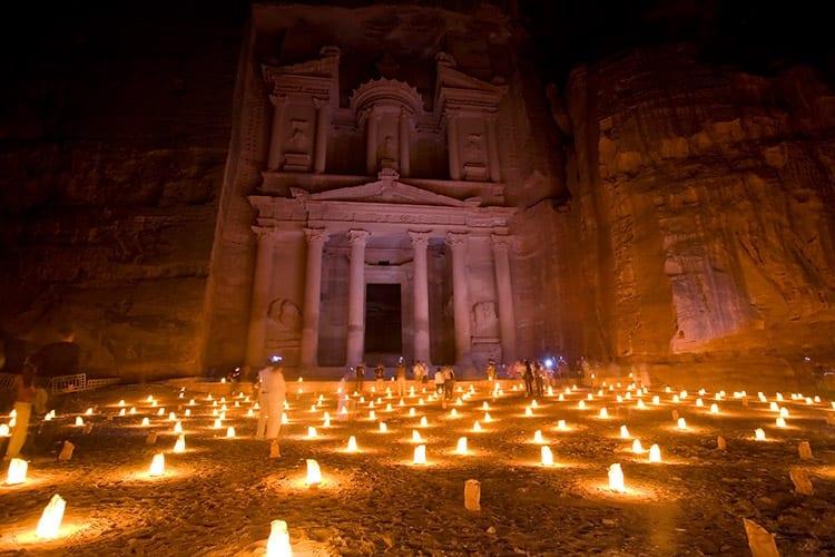 Petra in het donker