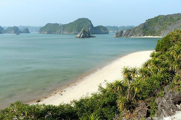 Lan Ha Bay strand