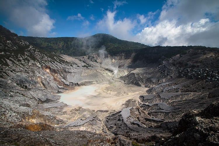 Tangkuban Perahu vulkaan, Bandung
