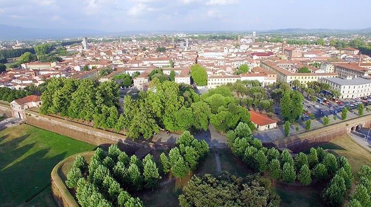 Stadsmuren van Lucca