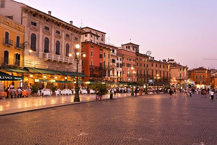 Piazza Bra, Verona