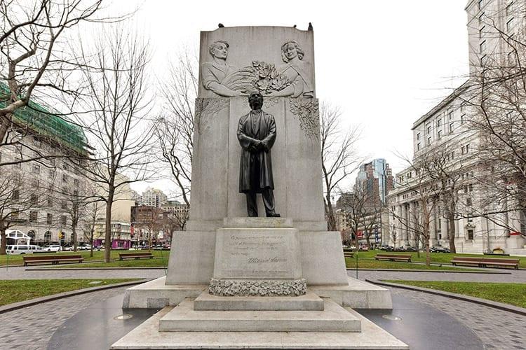 Dorchester Square, Montreal