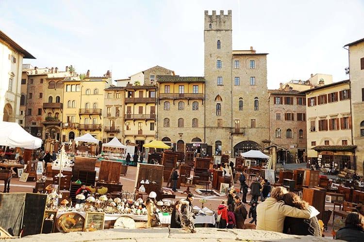 De antiekmarkt in Arezzo