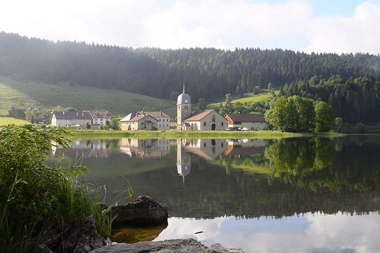 Lac de l'Abbaye, De Jura