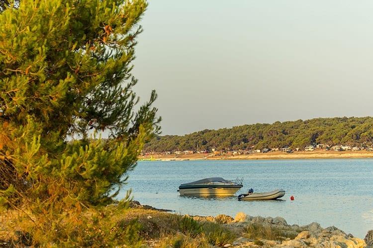 Bijeca-strand bij Medulin, Istrië