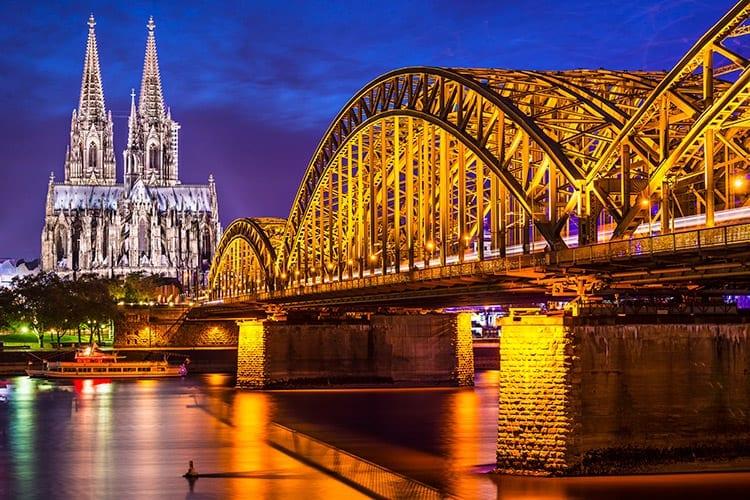 Hohenzollernbrücke, Keulen