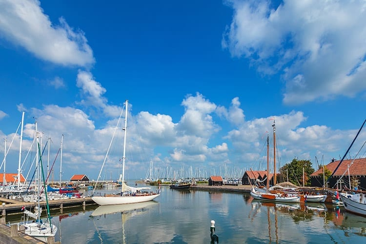 De haven van Hindelopen, Friesland