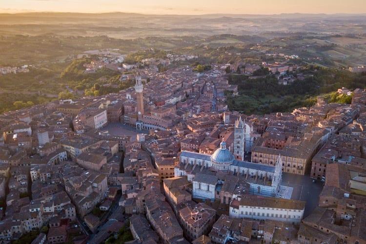 Zonsopkomst Siena, Toscane