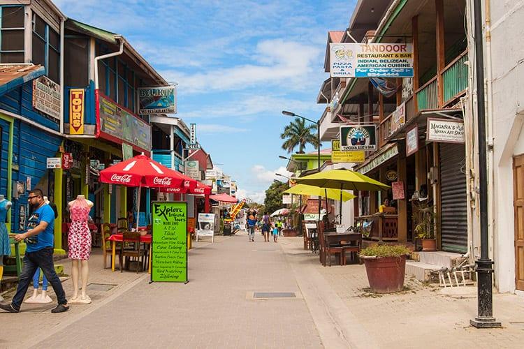 Burns Avenue, San Ignacio