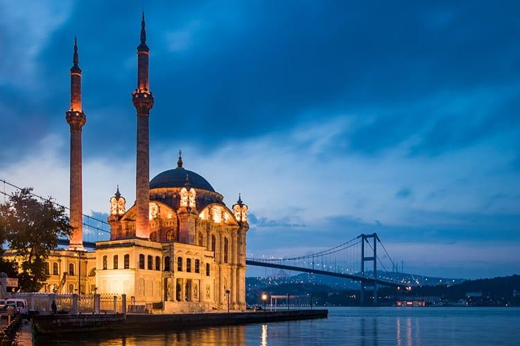 Ortaköy-moskee, Istanbul